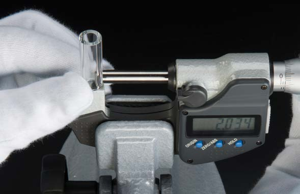 SPHERICAL AND CYLINDRICAL ANVIL TYPE MICROMETER